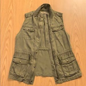 Tencel Vest from Max Jeans.
